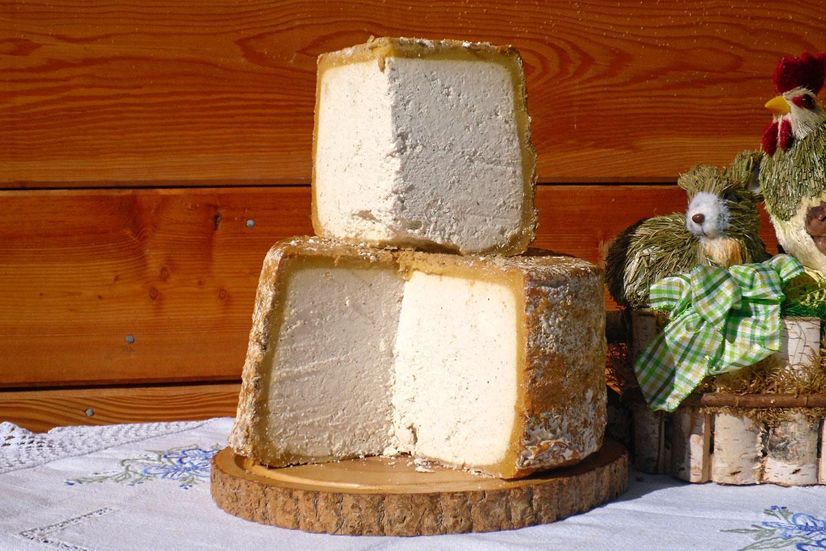 Sauerkäse - Hofeigene Produkte auf der Loosbühelalm